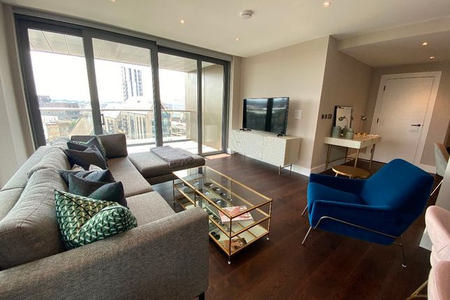 3 bed flat to rent in Apartment, Huntington House, Palmer Road, London SW11