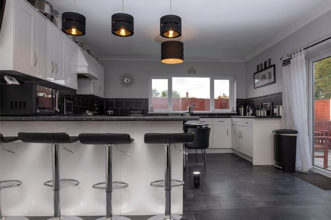Thumbnail Bungalow for sale in Farndale Avenue, York