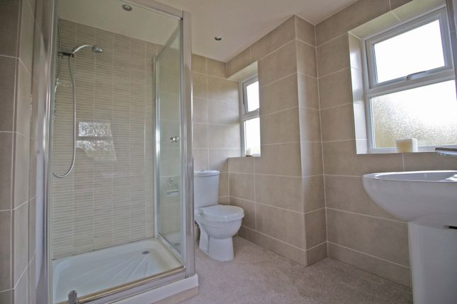 En Suite 4 of Manchester Road, Heywood OL10