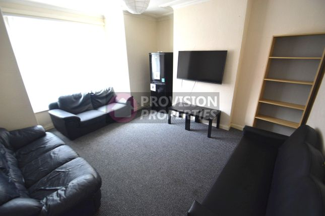 7 bed terraced house to rent in Chestnut Avenue, Hyde Park, Leeds