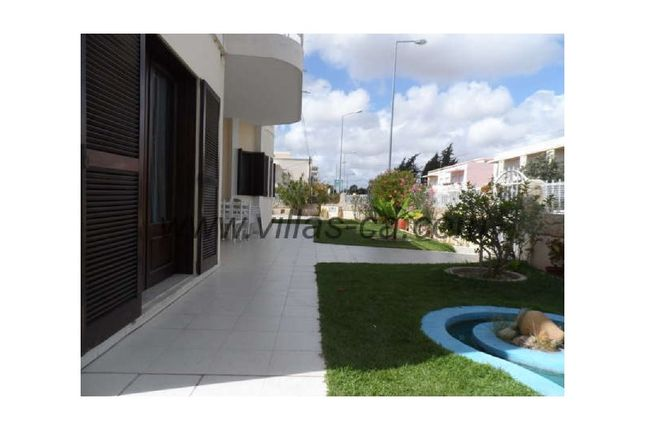 5 bed detached house for sale in Quelfes, Quelfes, Olhão