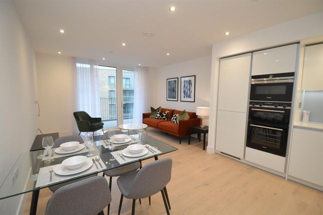 Thumbnail Flat for sale in Padcroft, West Drayton