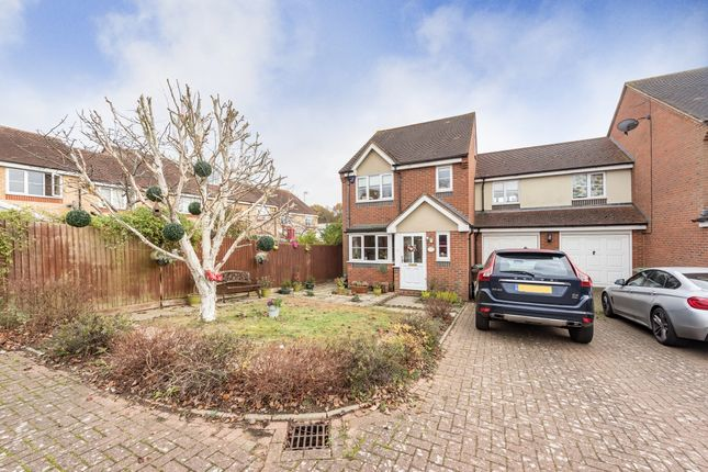 Thumbnail Property to rent in Orient Close, St.Albans