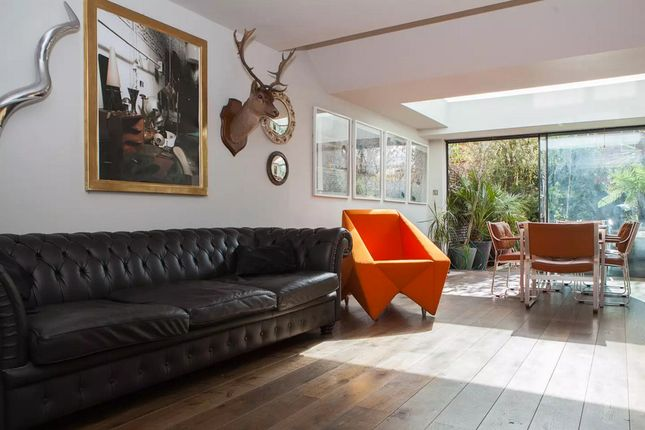 Thumbnail Terraced house to rent in Ambergate Street, London