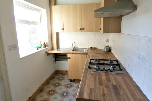Kitchen of Weymouth Street, Off Catherine Street, Leicester LE4