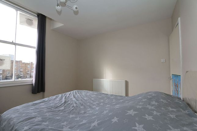 Bedroom of Warwick Avenue, England, London, London W9