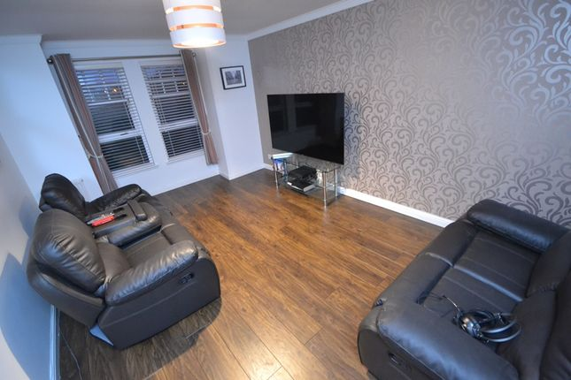 Lounge of Castlefield Court, Millerston G33