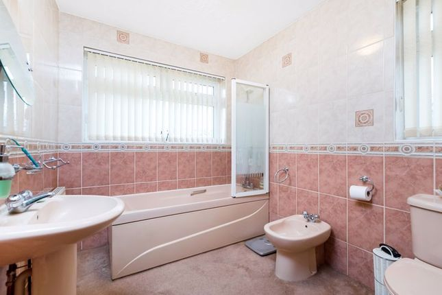 Bathroom of Main Road, Sidcup DA14