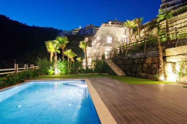 6 bed villa for sale in Benahavis, Spain