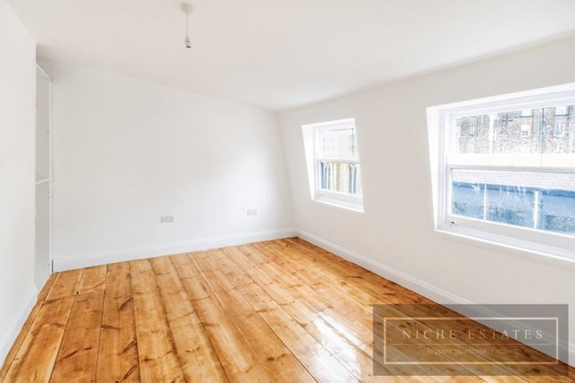 Thumbnail Terraced house to rent in King's Cross Road, London