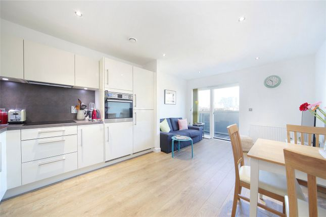 Thumbnail Flat to rent in Bedford Road, Clapham North, London