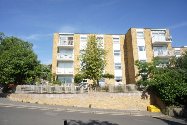 Flat to rent in Ancastle Green, Henley On Thames