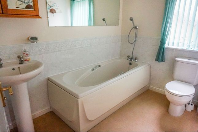 Bathroom of Kings Stand, Mansfield NG18