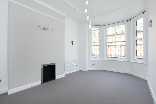 2 bed flat to rent in Bolton Gardens, London