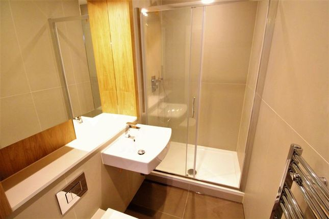 Thumbnail Flat for sale in Flowers Way, Luton