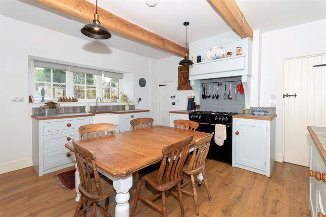 Hf - Kitchen of Main Street, Greetham, Oakham LE15