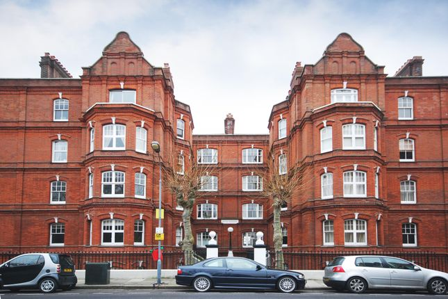 2 bed flat to rent in Queen's Club Gardens, London