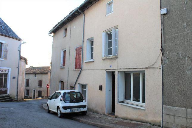 Thumbnail Property for sale in Poitou-Charentes, Vienne, L'isle Jourdain