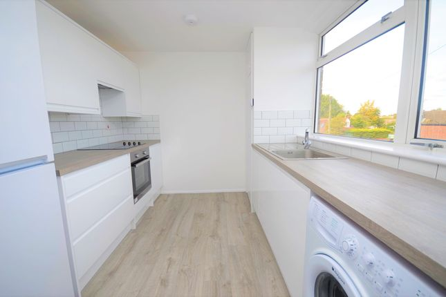 Thumbnail Flat to rent in Turners Place, Holmer Green, High Wycombe, Buckinghamshire