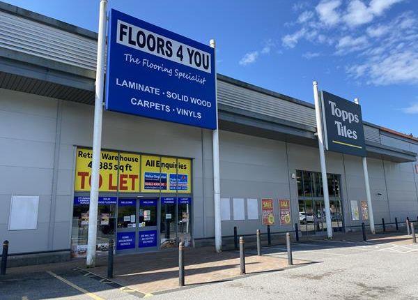 Thumbnail Retail premises to let in 2B Victoria Retail Park, Shroggs Road, Halifax
