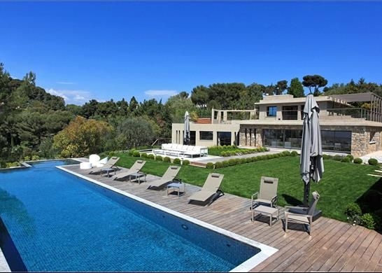 6 bed property for sale in Cannes, France
