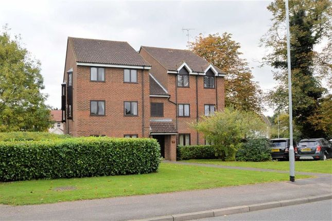 Thumbnail Flat for sale in Wellington Road, North Weald, Epping