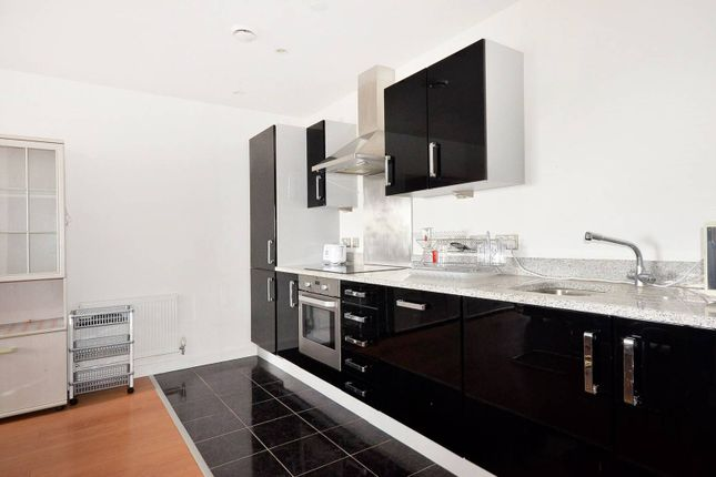 Thumbnail Flat to rent in Barge Walk, Greenwich