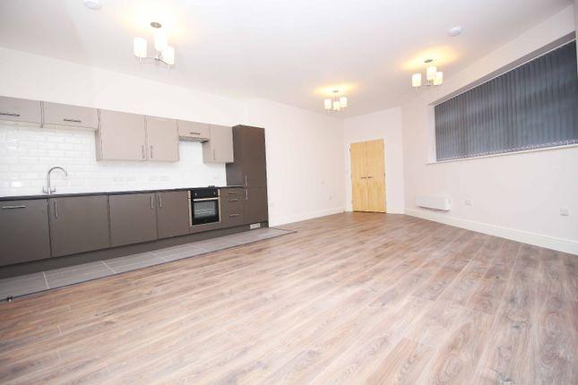 Studio to rent in Cranbrook Road, Ilford