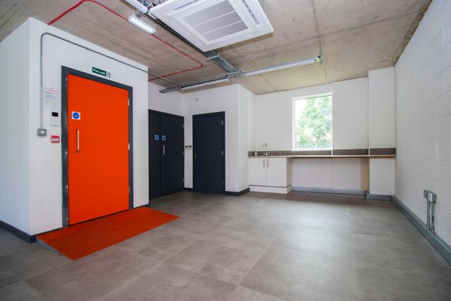 Thumbnail Office to let in Railway Arches, Warburton Street, London