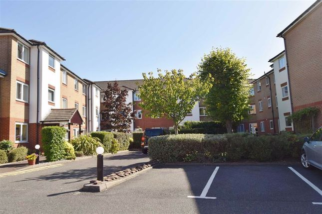 Thumbnail 2 bed property for sale in Oakleigh Close, Swanley