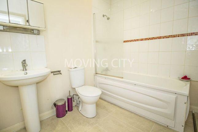 2 bed flat to rent in Zurich House, Startford