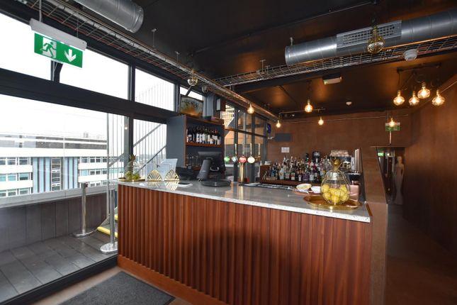 Rooftop Bar of Flat 19, Daniel House, Trinity Road L20