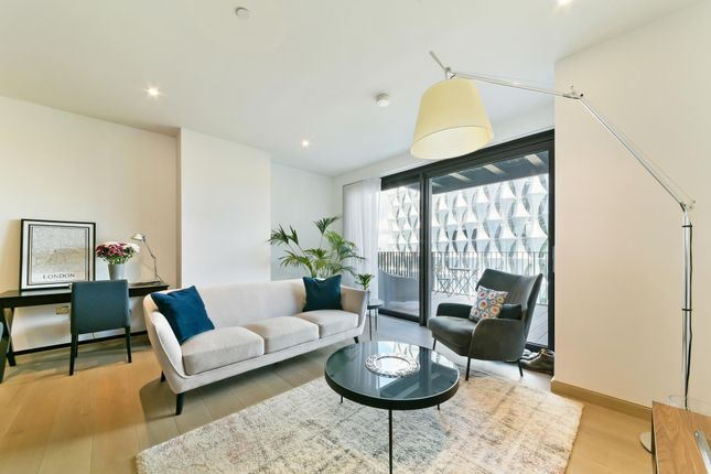 2 bed flat for sale in Legacy Building, Viaduct Gardens, Embassy Gardens, Nine Elms, London SW11