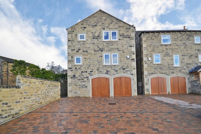 Thumbnail Detached house for sale in Hill Top Road, Newmillerdam, Wakefield