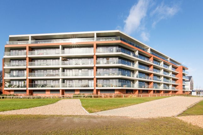 Thumbnail Flat to rent in 55 Chatham House, Racecourse Road, Newbury