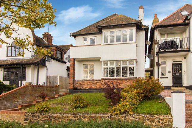 Thumbnail Flat for sale in First Avenue, Westcliff-On-Sea