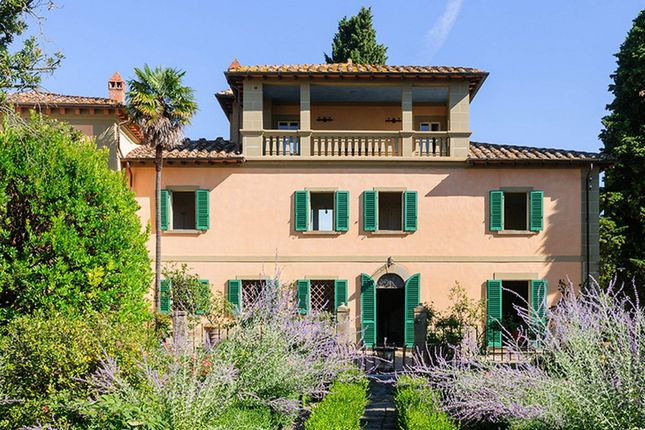 7 bed town house for sale in 52048 Monte San Savino Ar, Italy