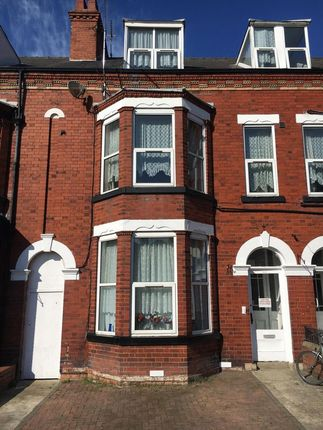 Thumbnail Flat to rent in Horsforth Avenue, Bridlington