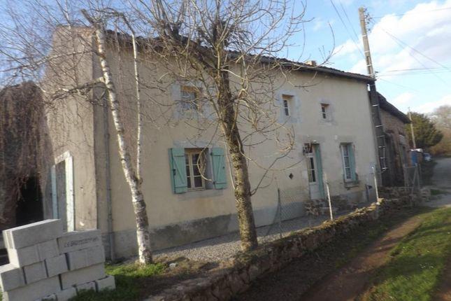 Farmhouse for sale in Poitou-Charentes, Charente, Abzac