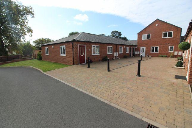 Thumbnail Bungalow to rent in Kitchen Lane, Wednesfield, Wolverhampton