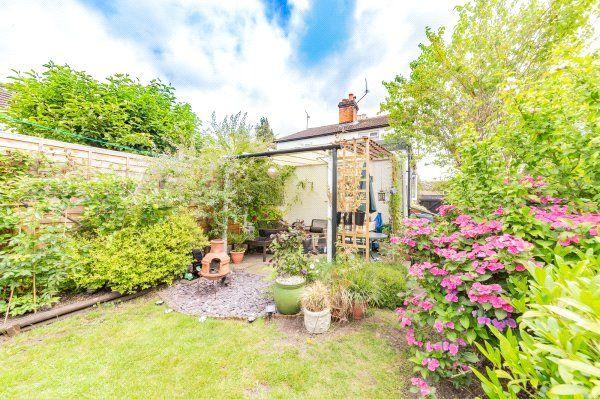 Picture No. 16 of Newtown Road, Sandhurst, Berkshire GU47