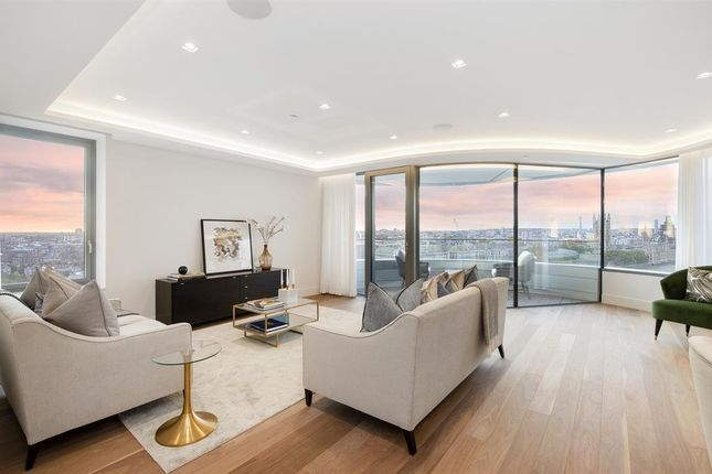 Flat for sale in Apartment 68, Block B, The Corniche, London