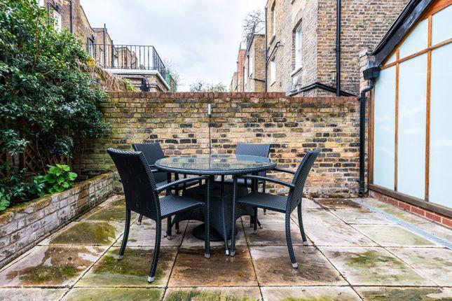 Flat to rent in Redburn Street, London