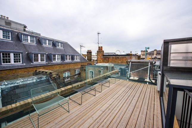 Thumbnail Town house for sale in Long Acre, Covent Garden, London