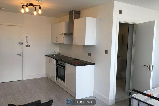Studio to rent in Commercial Road, Swindon SN1