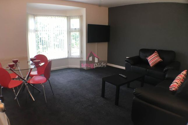 Thumbnail Flat to rent in Bolton Road, Salford, Manchester