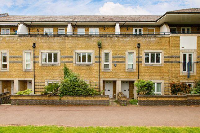 Terraced house for sale in Longworth Avenue, Chesterton, Cambridge