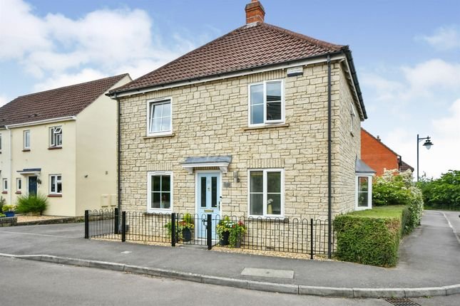 3 bed detached house for sale in Poppy Close, Calne SN11