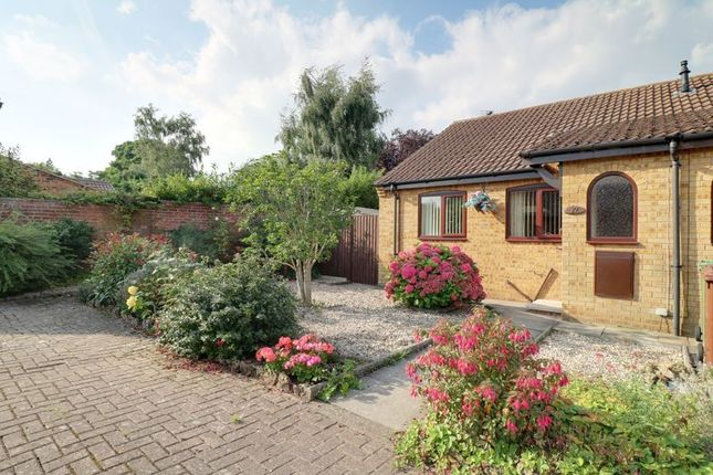 Thumbnail Semi-detached bungalow to rent in Lea Garth, Messingham, Scunthorpe