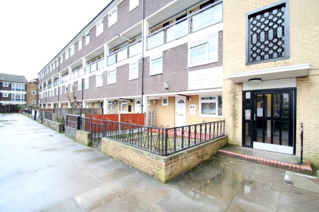 Thumbnail Maisonette for sale in Whitton Walk, London